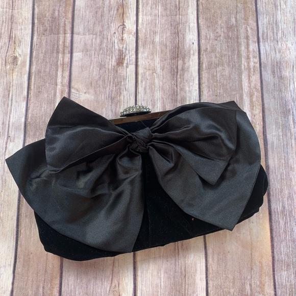 Neiman Marcus Handbags - Nieman Marcus Black Crossbody Clutch